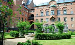 Copenhagen-City-Hall-Garden1